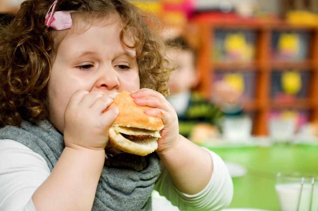 нездоровое питание ребенка