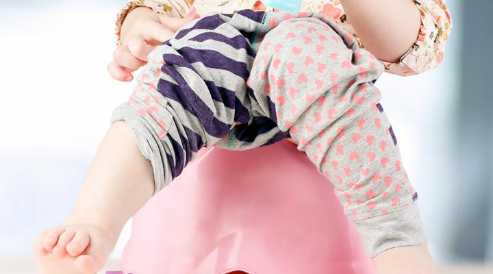 долгое сидение ребенка на горшке